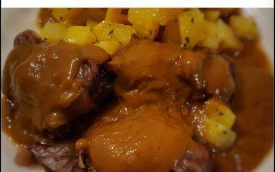 Carrilleras de cerdo con patata