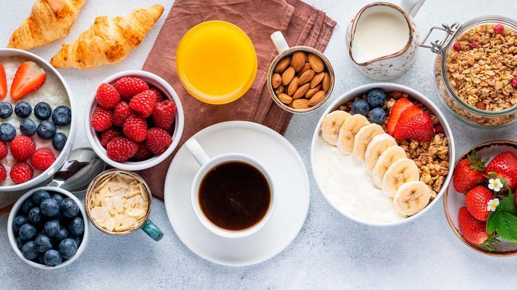 Desayuno saludable y completo